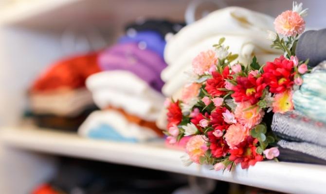 Bouquet tra i vestiti
