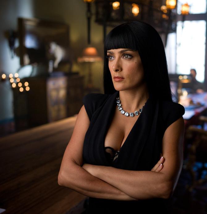 Ancora un ruolo cult in un film debole: Le belve (2012)