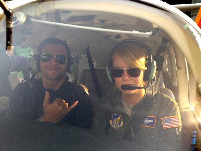 Bradley Cooper ed Emma Stone - Sotto il cielo delle Hawaii