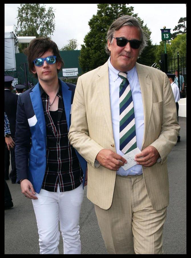 Elliott Spencer e Stephen Fry