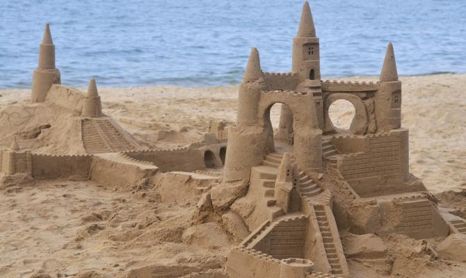 La sabbia vuole essere di più…