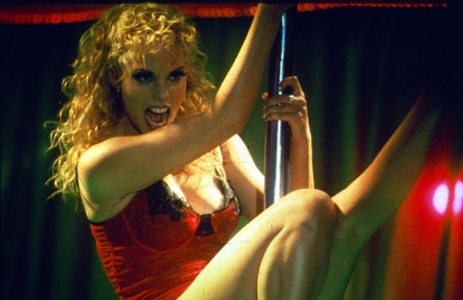 Elizabeth Berkley - Showgirls (1995)