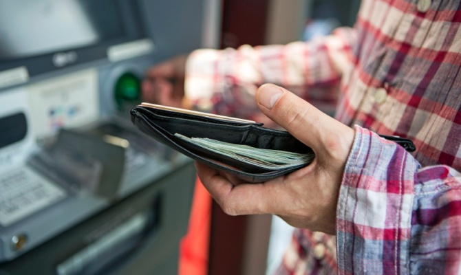 Conosci il conto in banca del tuo partner?