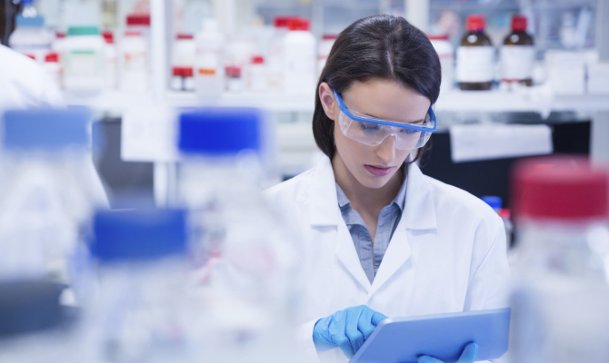 Donne scienziate incapaci per il 70% degli europei