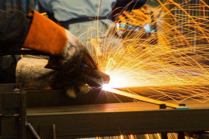 Operai plastici e metallurgici