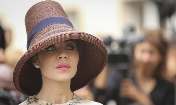 Cappelli d inverno  il trend è maxi - www.stile.it ecebfad431ee