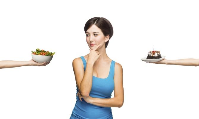 Resistere alle tentazioni, merenda, donna, piatti, dieta