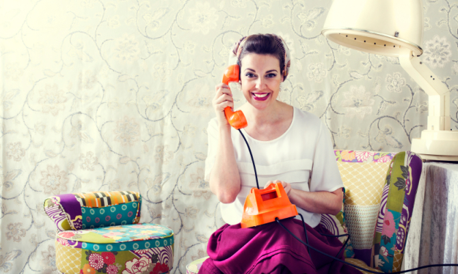 Casalinga al telefono