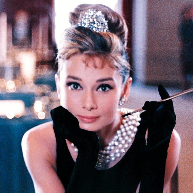 Attori costretti a ringiovanire, da Audrey Hepburn a Leonardo DiCaprio