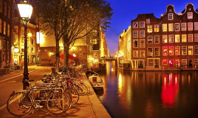 Amsterdam in notturna