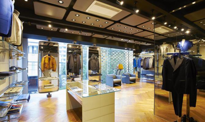 Bugatti: doppio successo a Tokyo