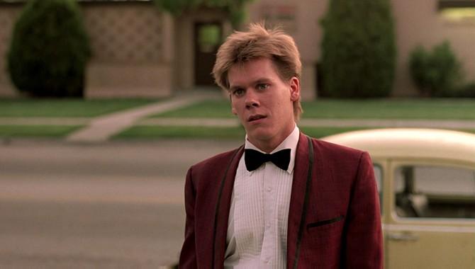 Kevin Bacon torna teenager in Footloose (1984)