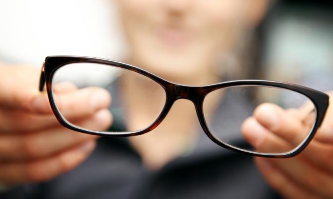 L'occhiale? Ora si fa su misura