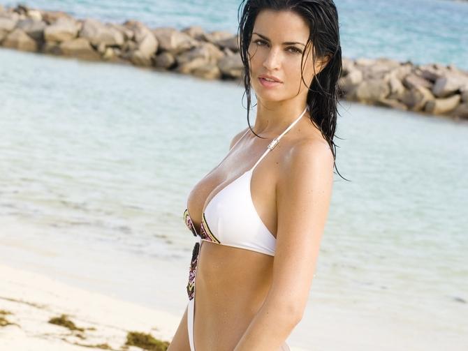 Laura Torrisi - Una moglie bellissima (2007)