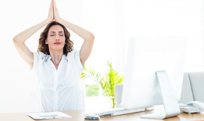Lo yoga? Perfetto anche in ufficio