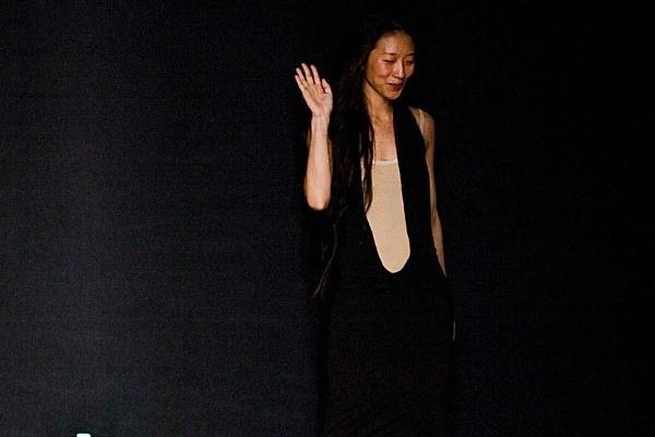 Yiqing Yin: la prima volta di una stilista cinese