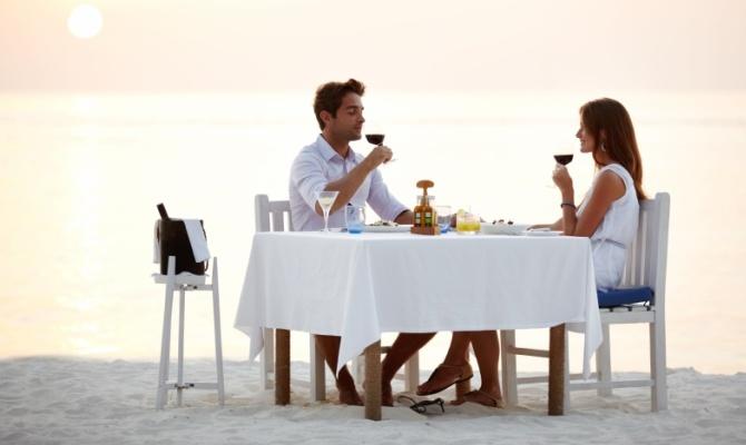 Primo appuntamento, cena, coppia