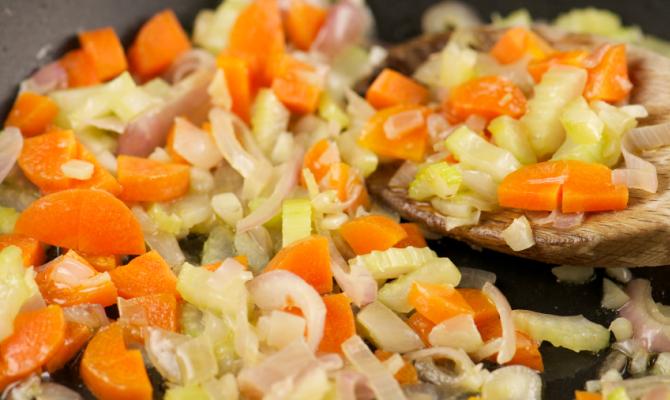 Sedano carota e cipolla