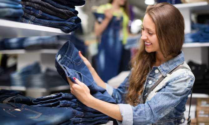Shopping jeans