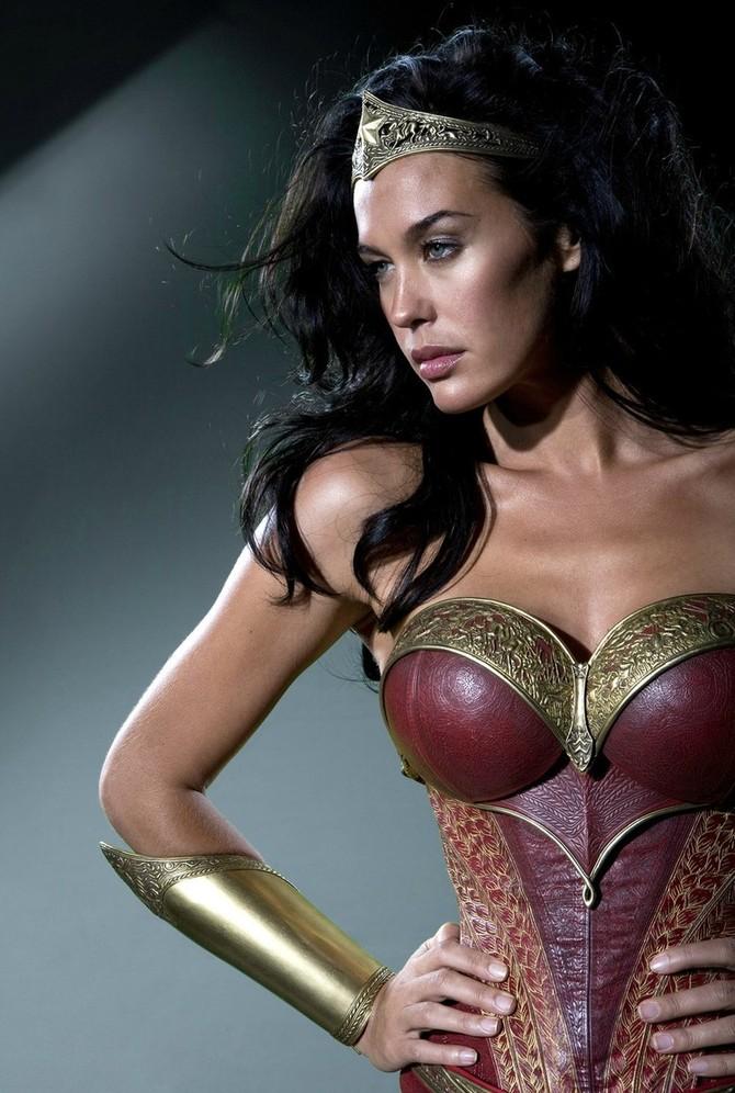 Megan Gale è Wonder Woman