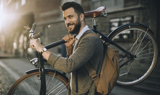 Andare a lavoro in bicicletta rende felici