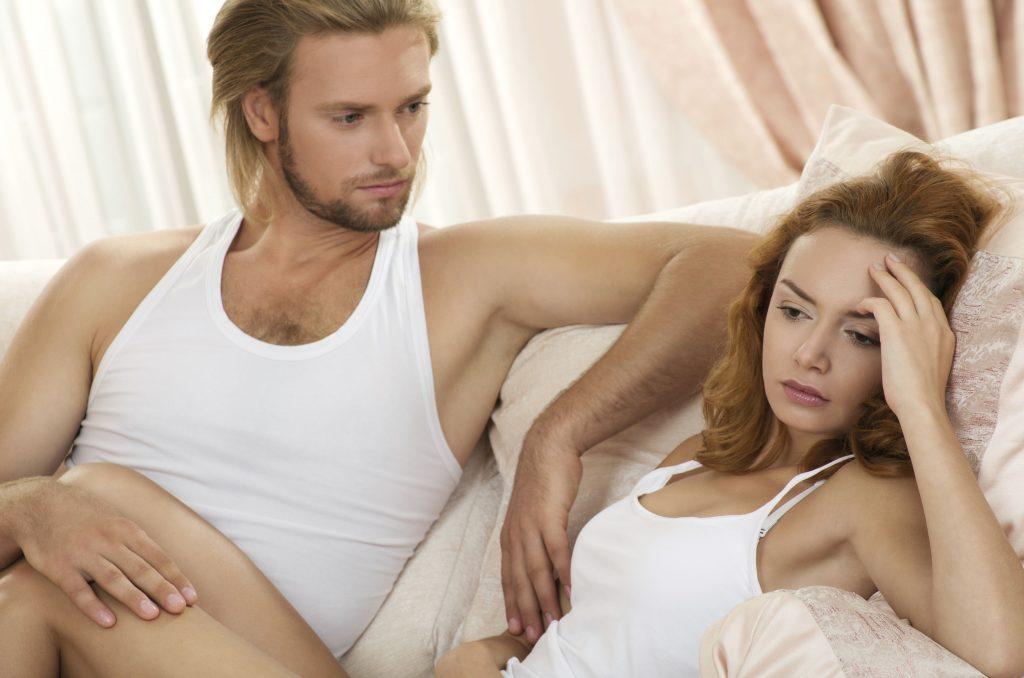 testa. I 10 comportamenti femminili che portano gli uomini a tradire