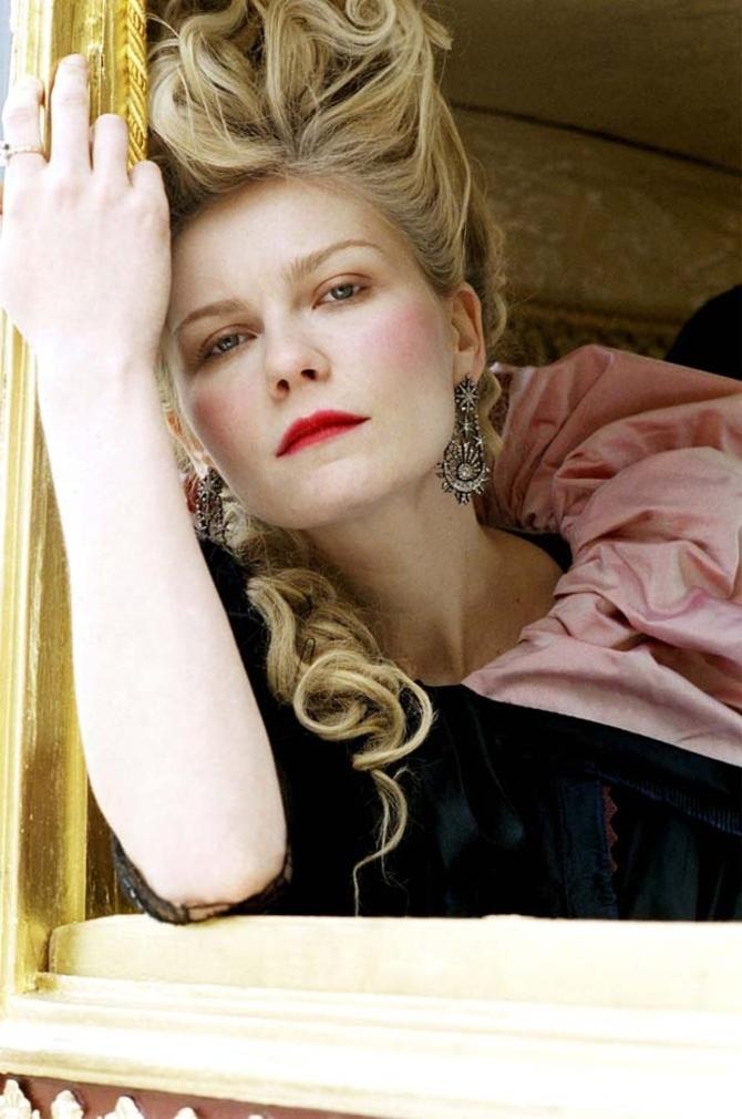 8 - La più elegante: Kirsten Dunst - Marie Antoinette (2006)