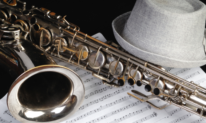 Strumento e spartito per musica jazz