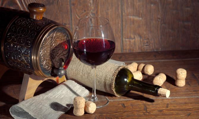 Bicchiere di vino e botte