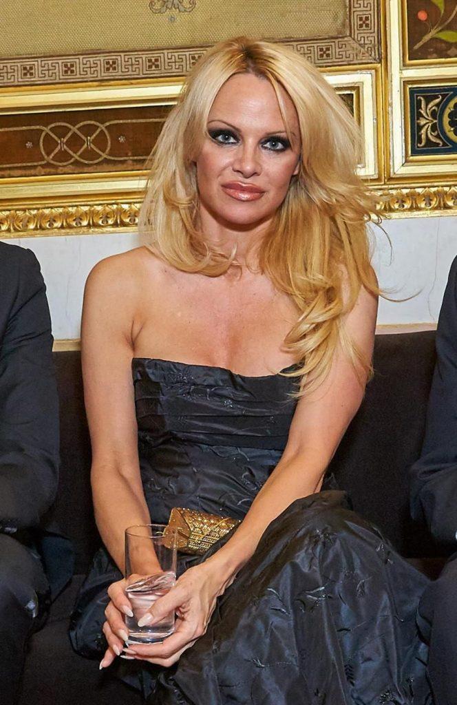 Pamela Anderson nel 2016