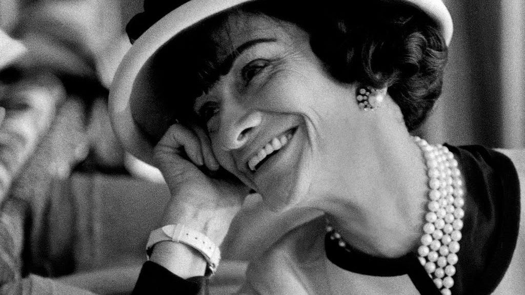 La Coco Chanel 'lettrice' celebrata a Venezia
