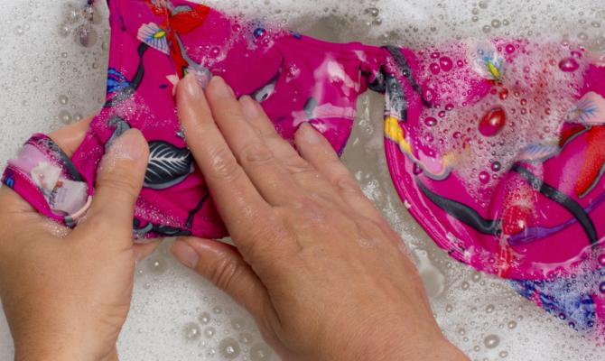 Pulizia costumi da bagno