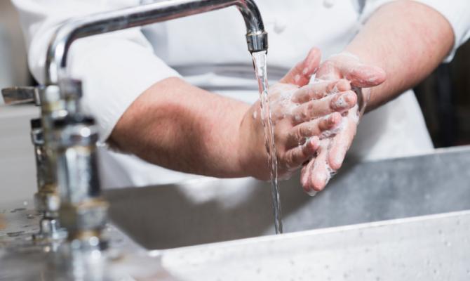 lavaggio mani al rostorante