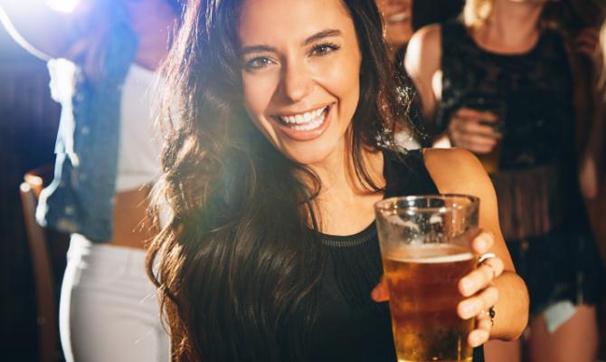 Dieta e alcol, si può fare