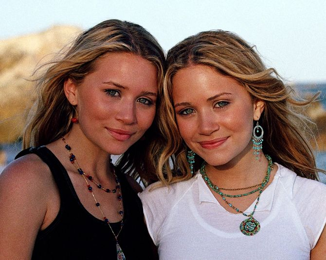 Mary Kate e Ashley Olsen nel 2003