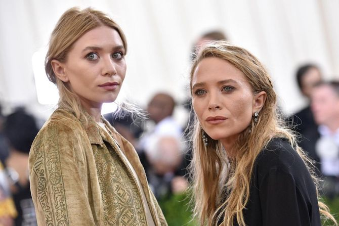 Mary Kate e Ashley Olsen nel 2016