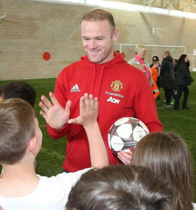 16 Wayne Rooney
