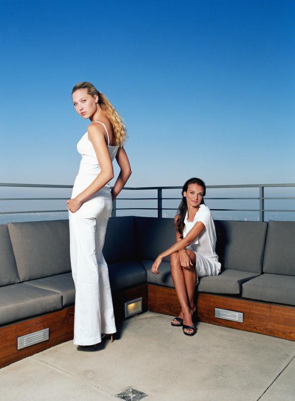 Donne vestite di bianco