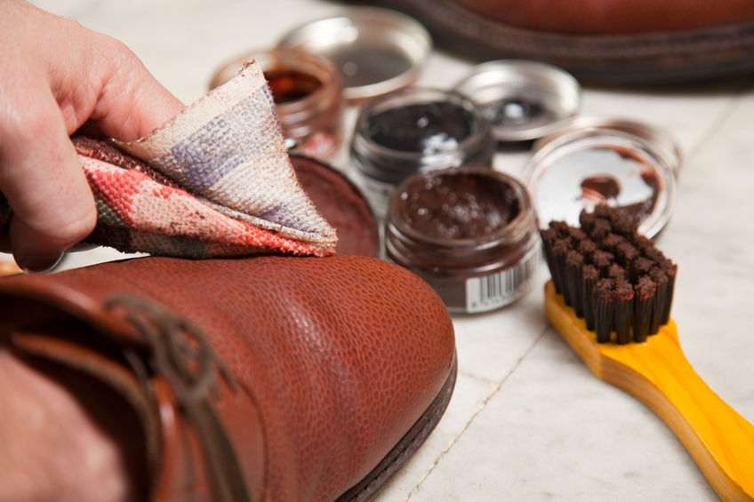 Lucidare le scarpe