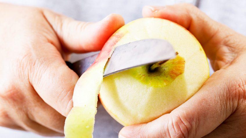 Frutta con la buccia: sì o no?