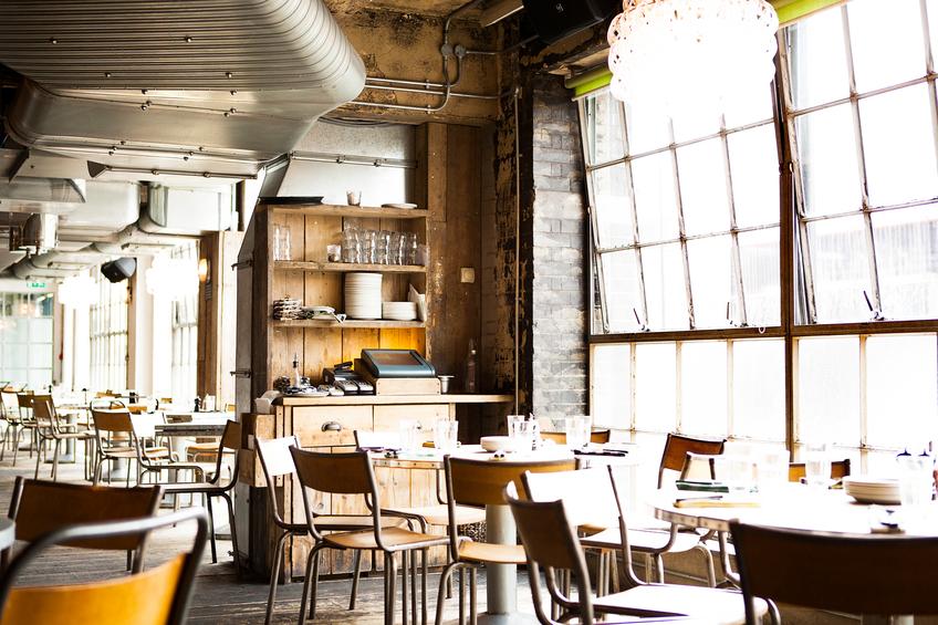 Ristoranti dall 39 onnipresente stile industriale for Bar stile industriale