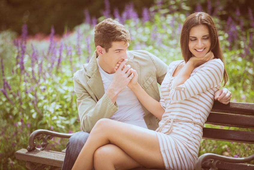 Le 8 ragioni (scientifiche) per cui ci si innamora