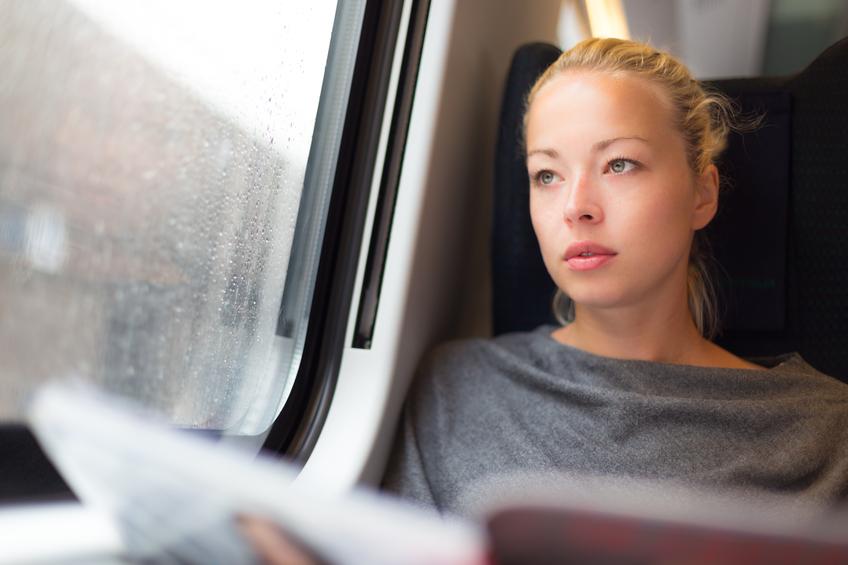 Ragazza in treno