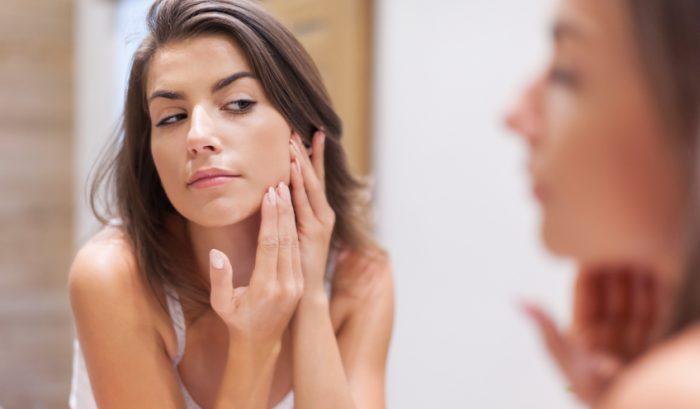 Combattere l'acne con le erbe aromatiche