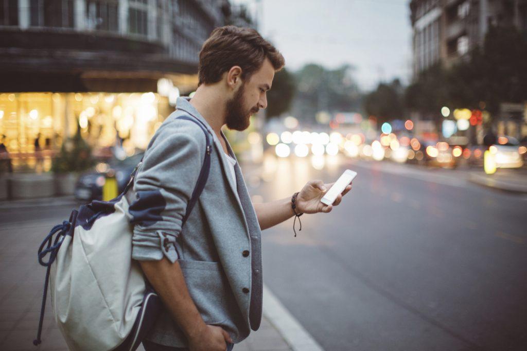 Smartphone walkers: il lato oscuro della tecnologia