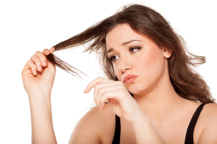 Donna capelli rovinati