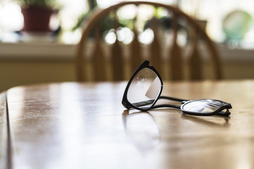 Come togliere i graffi sugli occhiali