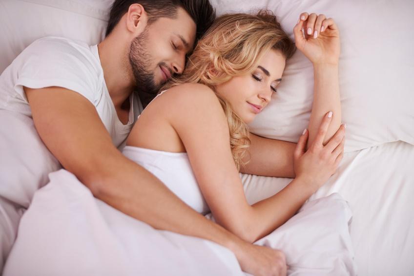 Un abbraccio per dormire meglio - www.stile.it
