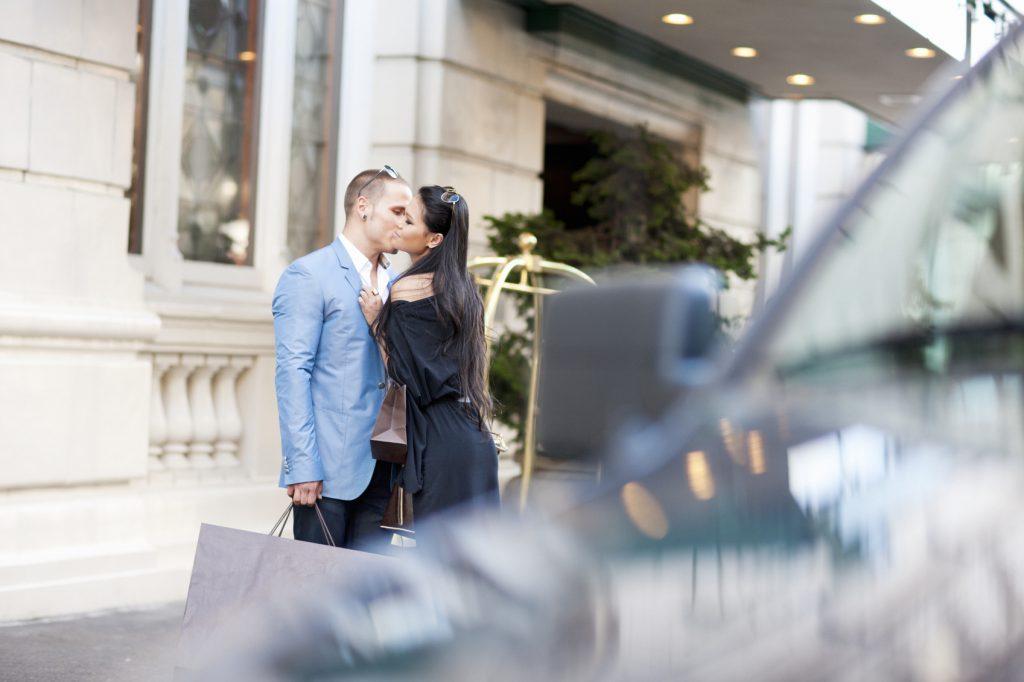 Ama de casa casada se folla al comercial y al instalador - 2 part 9