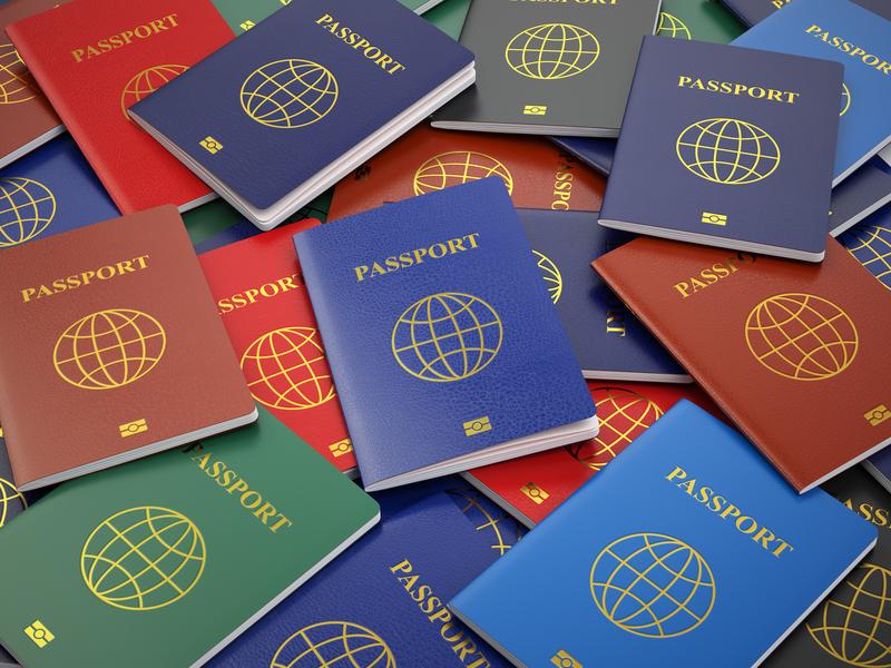 Curiosità di viaggio: passaporti di tutti i colori
